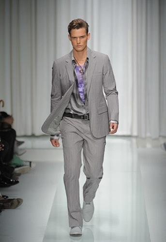 Foto de Versace, Primavera-Verano 2010 en la Semana de la Moda de Milán (1/16)