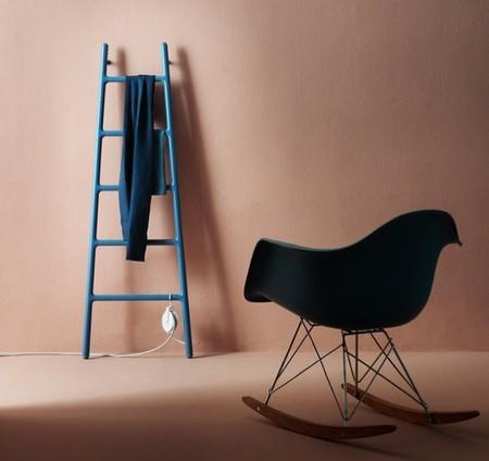 Radiador en invierno, escalera decorativa y de almacenaje en verano