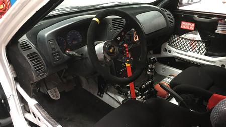 Este Peugeot 205 T16 ni siquiera es un Peugeot ¿Adivinas qué hay debajo?