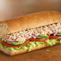¿Qué llevan los bocadillos de atún de Subway? Porque atún, lo que se dice atún, no
