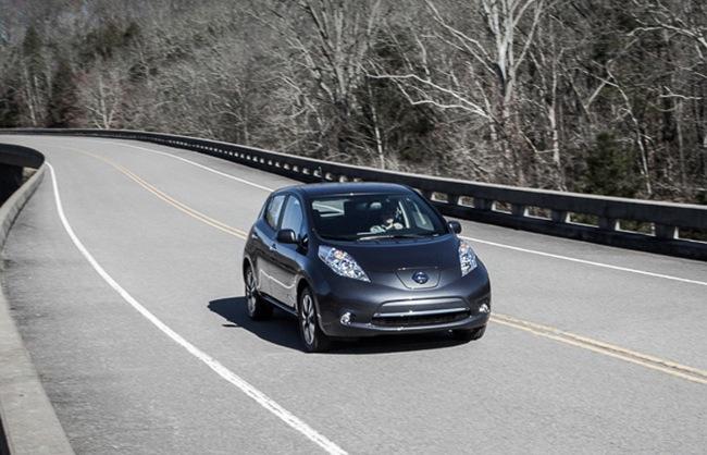 Nissan LEAF 2013 carretera