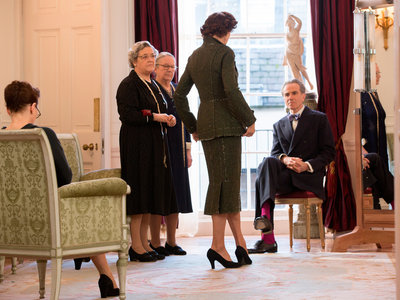 El espectacular vestuario de 'El Hilo invisible', la (supuesta) última película de Daniel Day Lewis