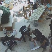 Un policía salva la vida de una niña que se atragantaba, recordándonos la importancia de saber cómo actuar