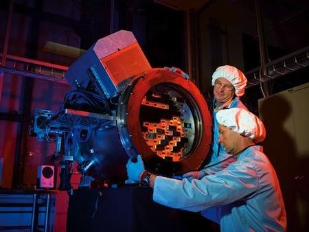 570 megapíxeles convierten a la Dark Energy Camera en la cámara más grande del mundo