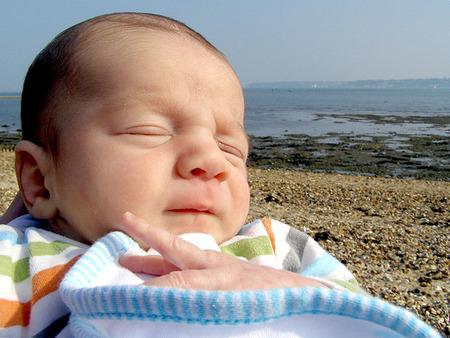 Guía para padres primerizos en la playa 4