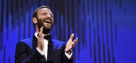 Así es el impecable estilo de Alessandro Borghi, el padrino del Festival de Cine de Venecia