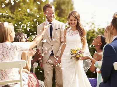 Lo que yo haría si me invitaran a una boda a la que no pueden ir los niños