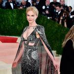 ¡Así sí! Nicole Kidman deslumbra con un Alexander McQueen en la Gala del MET 2016