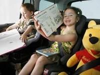 Hertz incorpora a sus coches de alquiler asientos para niños