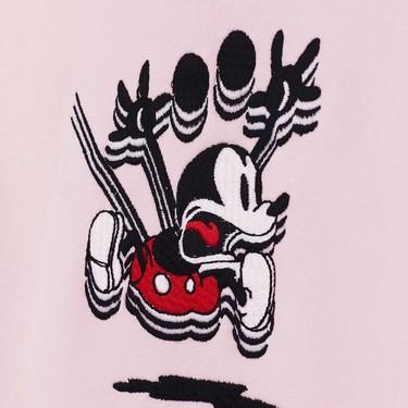 H&M celebra a Mickey Mouse con una colección de piezas deportivas para el otoño