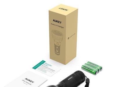 Linterna LED UV Aukey por 3,99 euros en Amazon