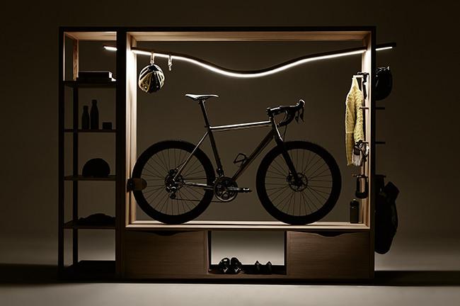 Mueble para guardar tu bici en casa for Armario exterior para guardar bicicletas