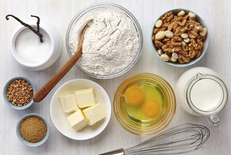 La repostería casera no es sinónimo de más saludable, pero así puedes hacer tus dulces más nutritivos (y algo más ligeros)