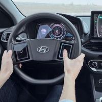 """Volantes con pantallas táctiles y respuesta háptica: la visión de Hyundai para interactuar """"sin distracciones"""" con nuestro coche"""