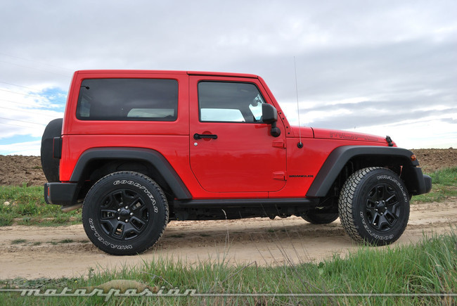 Jeep Wrangler Moab lateral
