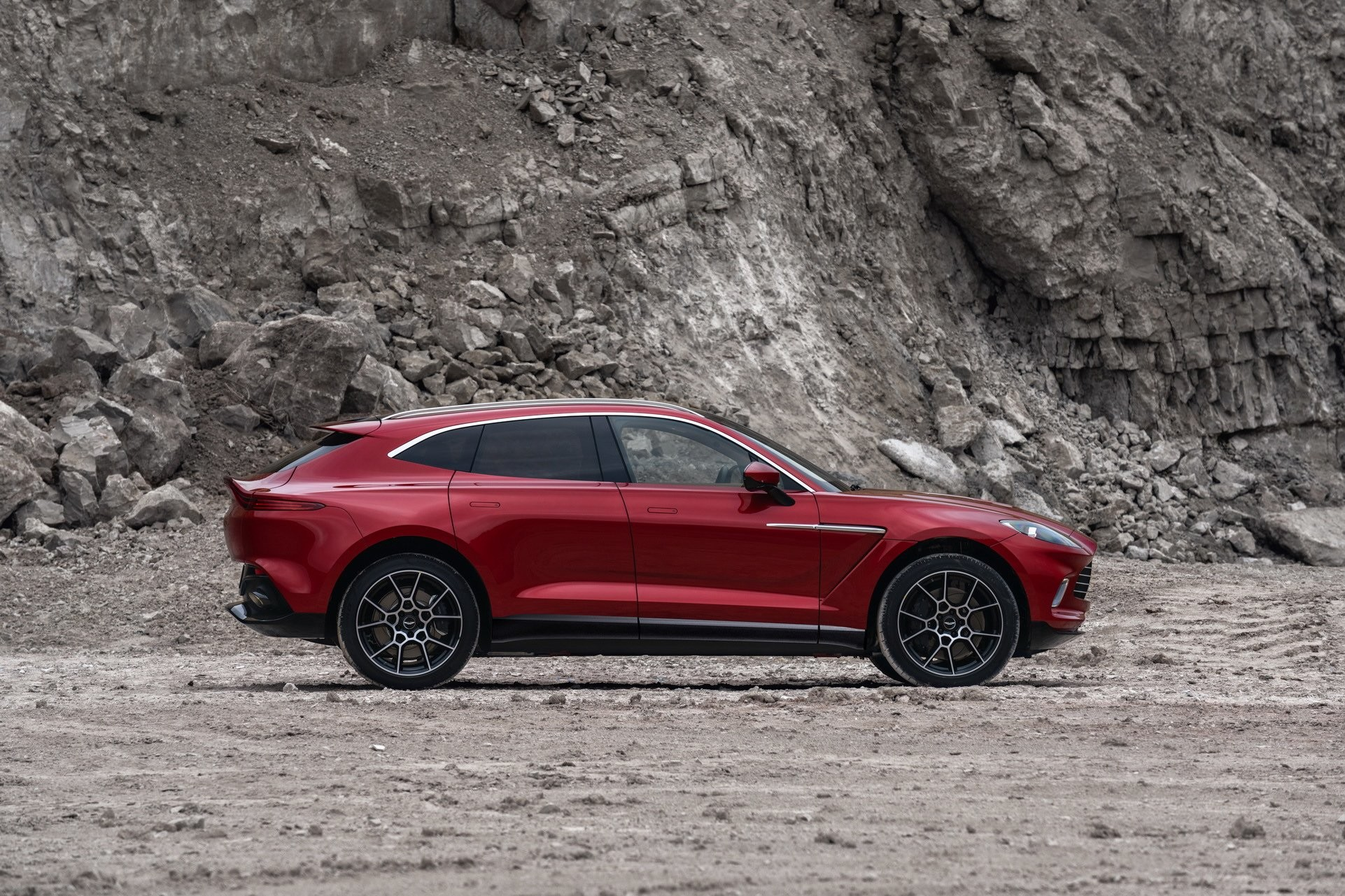 Foto de Aston Martin DBX (6/36)