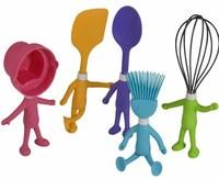 Simpáticos utensilios de cocina para los peques