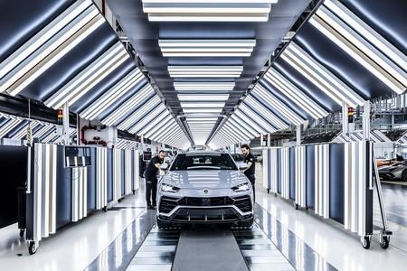 Lamborghini Urus 10 000 2