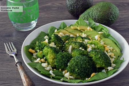 Ensalada de Brócoli con Aguacate y Huevo
