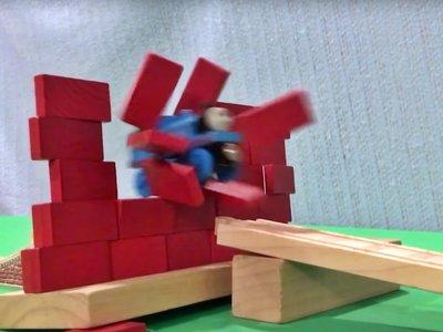 Este vídeo del tren Thomas haciendo acrobacias a lo Ken Block es lo más brillante que verás hoy