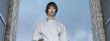 Las camisetas extragrandes se llevarán por encima de todo (literalmente) en nuestros looks de otoño