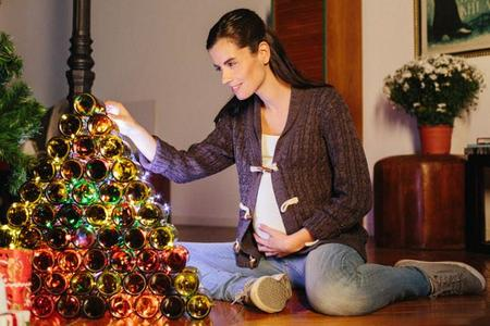 ¡No lo tires! Cómo hacer un árbol de Navidad con objetos reutilizados