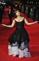 Ya puede llegar el fin del mundo que Helena Bonham Carter seguirá fiel a su estilo