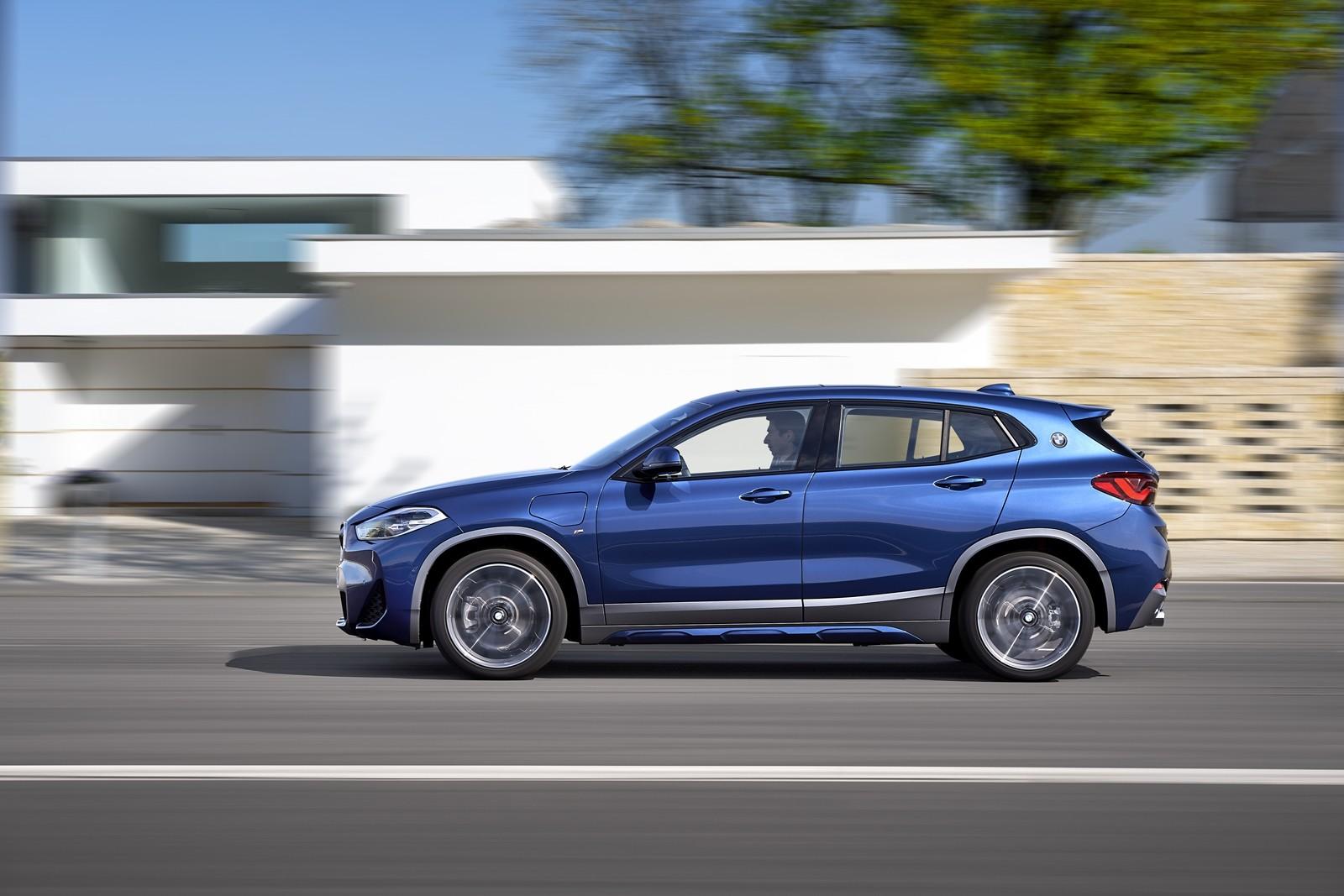 Foto de BMW X2 xDrive25e 2021 (15/53)