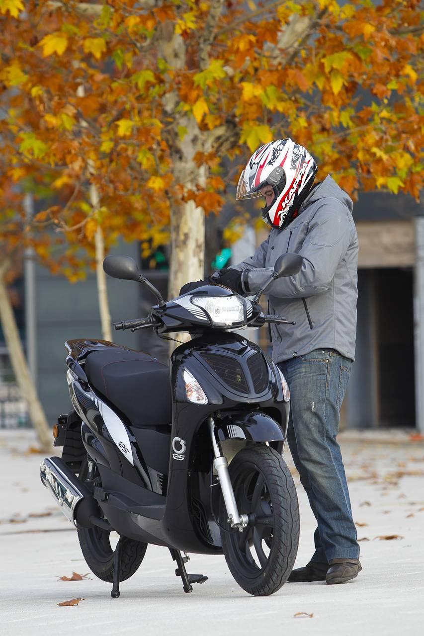 Foto de MX Motor C5 125, primer scooter de rueda alta de la marca española (38/53)