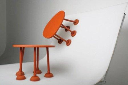 Una mesa en la pared o en el techo