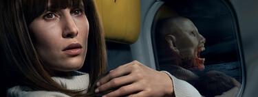 'Cielo rojo sangre': una aceptable película de Netflix que no está a la altura de su apetitosa premisa de acción y vampiros en un avión