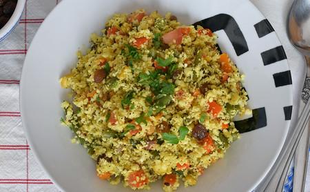 Biryani de coliflor y verduras: receta saludable vegana y baja en hidratos