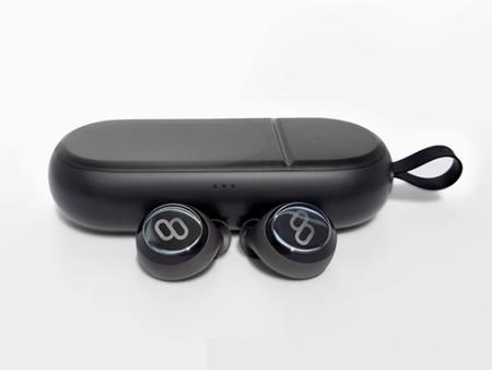 Estos auriculares inalámbricos permiten escuchar música sin cables pero también traducir tus conversaciones