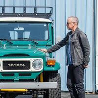 Tom Hanks despeja el garaje por 433.000 euros y se despide de tres de sus coches y su mítica caravana