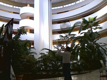 Hotel Barceló Renacimiento de Sevilla, un 5 estrellas que no reluce. EBE 09