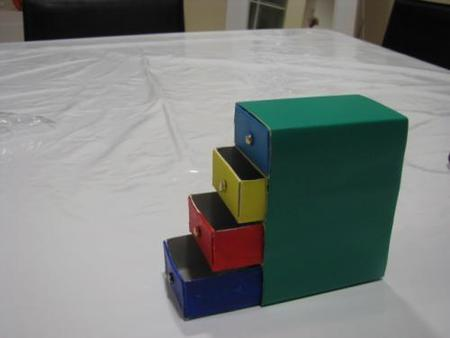 Manualidades divertidas: cómoda en miniatura