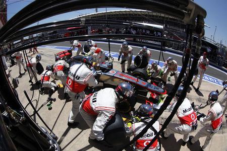 McLaren mejora en las paradas en boxes