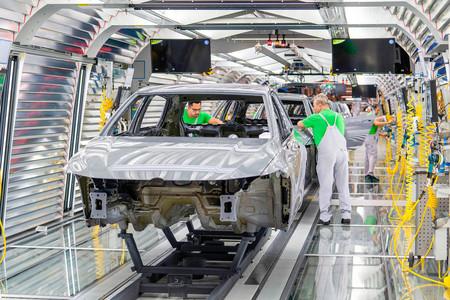 Fábrica coche línea de montaje