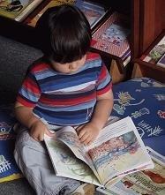 Los expertos afirman que los niños deberían aprender a leer a partir de los tres años