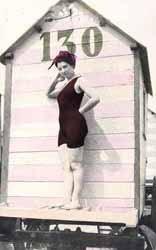 Multas por hacer topless o llevar tanga en París