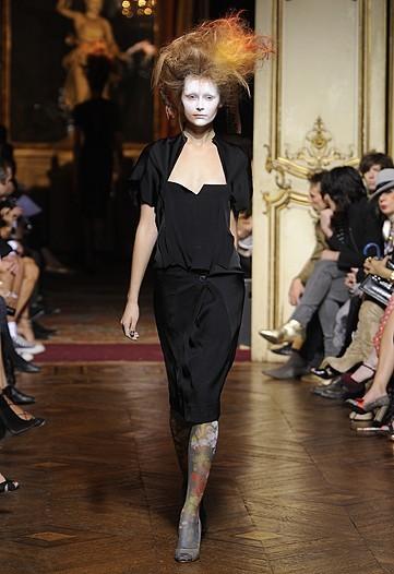 Foto de Vivienne Westwood Primavera-Verano 2010 en la Semana de la Moda de París (11/21)