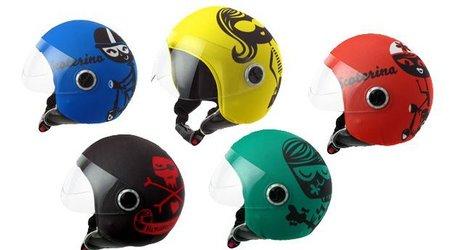 Cascos muy pop para la moto de la mano de Helmetdress