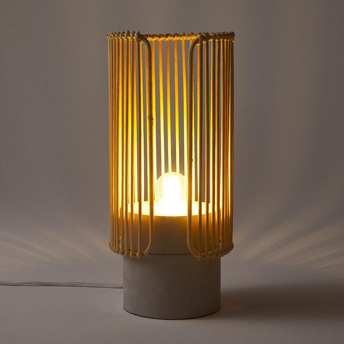 Lámpara de cemento y bambú