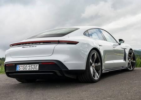 Porsche Taycan Turbo S 2020 1280 92