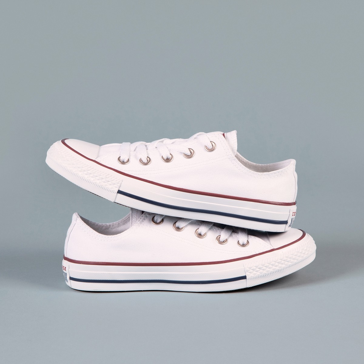 402b0e61d Ofertas del día en zapatillas: Adidas, Vans o Kelme