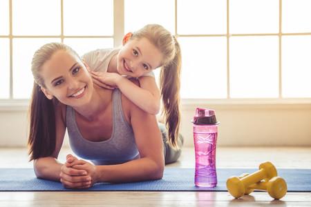 Niños y padres en forma con 'Nike Training Club', una aplicación gratuita para practicar ejercicio físico en familia desde casa