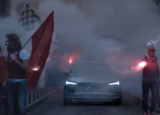 Este video de Zlatan y el Volvo V90 es justo con lo que querías iniciar tu jornada futbolera