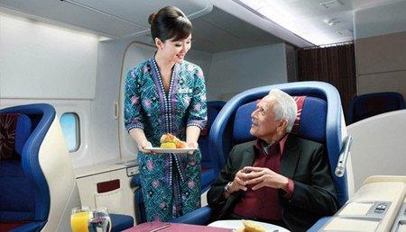 Malaysia Airlines prohíbe a los bebés viajar en primera clase