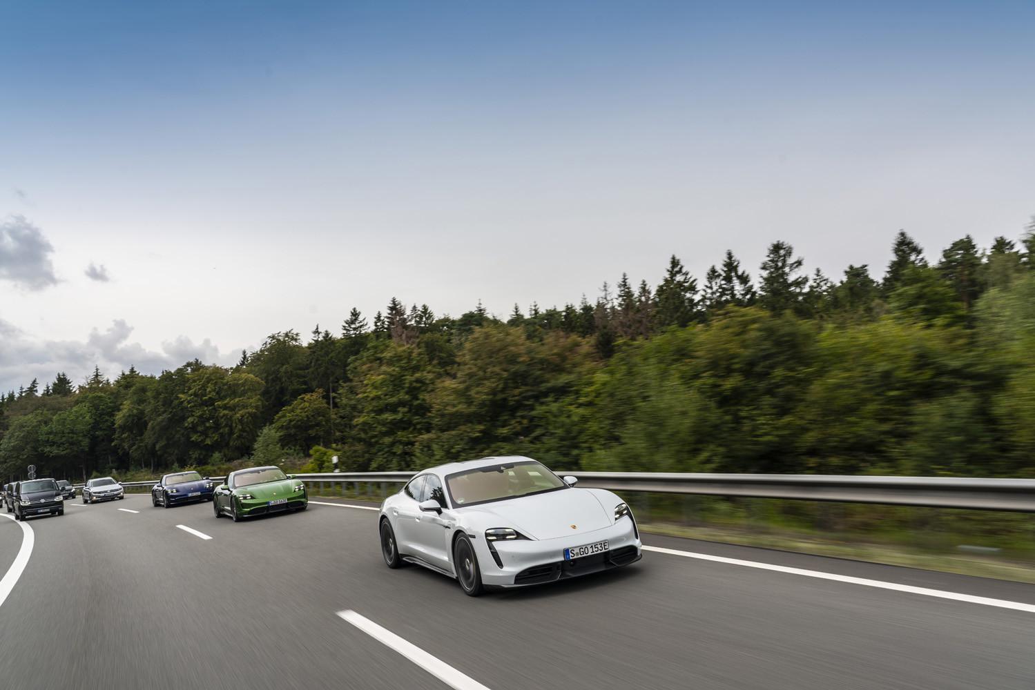 Foto de Porsche Taycan prueba contacto (121/275)