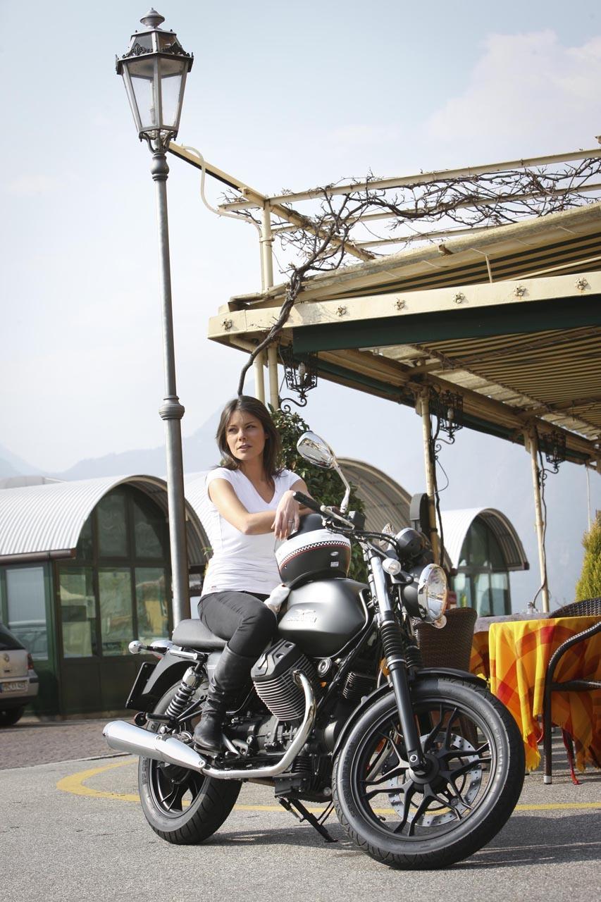 Foto de Moto Guzzi V7 Stone (41/57)